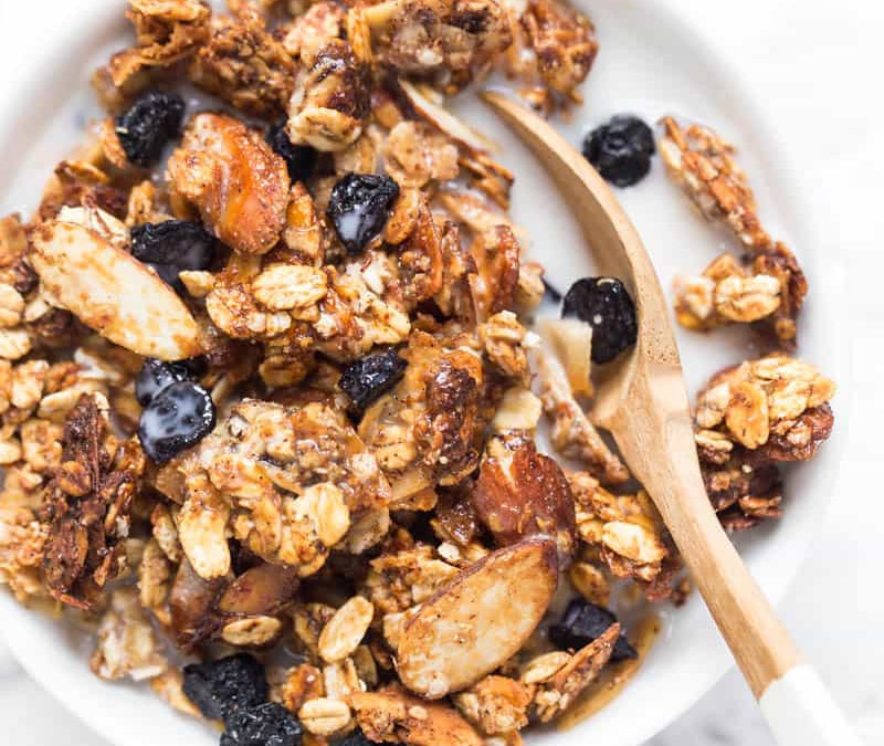 healthy granola with raisin